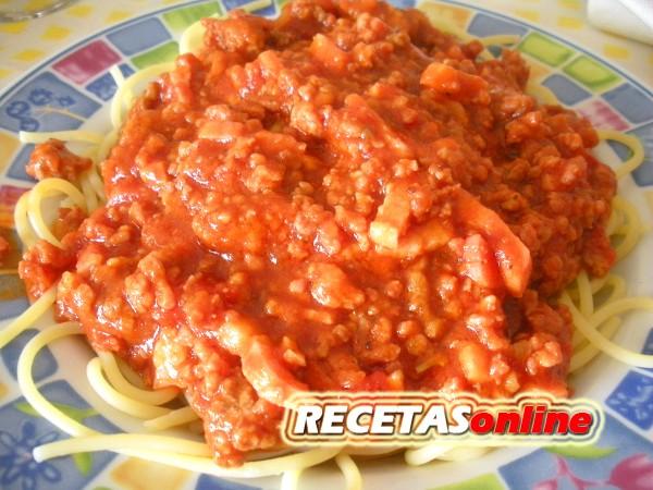 Espaguetis a la española - Recetas de cocina RECETASonline