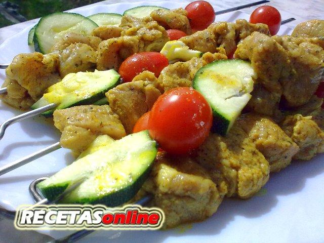Pinchos morunos con verdura - Recetas de cocina RECETASonline