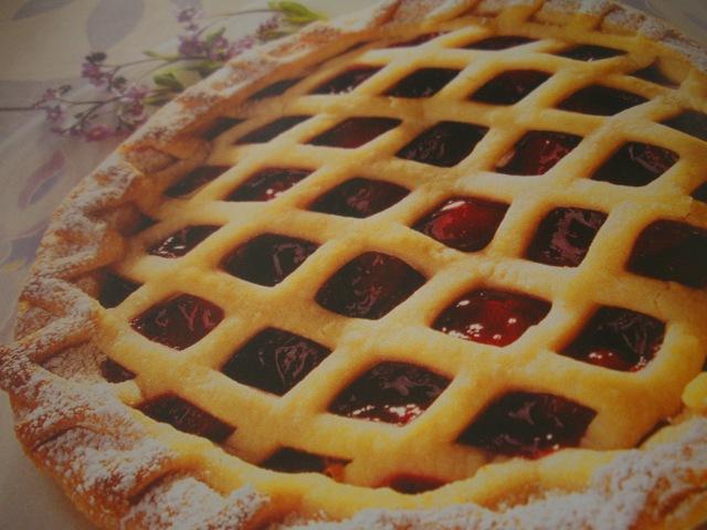 Pastel de cerezas con masa ligera - Recetas de cocina RECETASonline