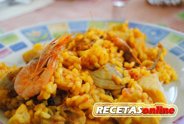 Paella de mariscos - Recetas de cocina RECETASonline