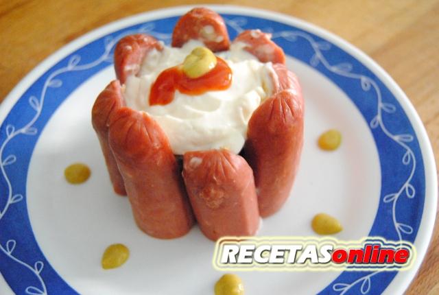 Perrito caliente en charlota - Recetas de cocina RECETASonline