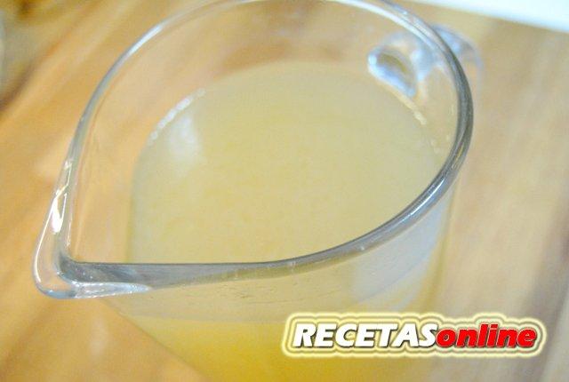 Caldo de pollo casero rápido - Recetas de cocina RECETASonline