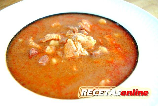 Garbanzos con jamón y lomo de cerdo - Recetas de cocina RECETASonline