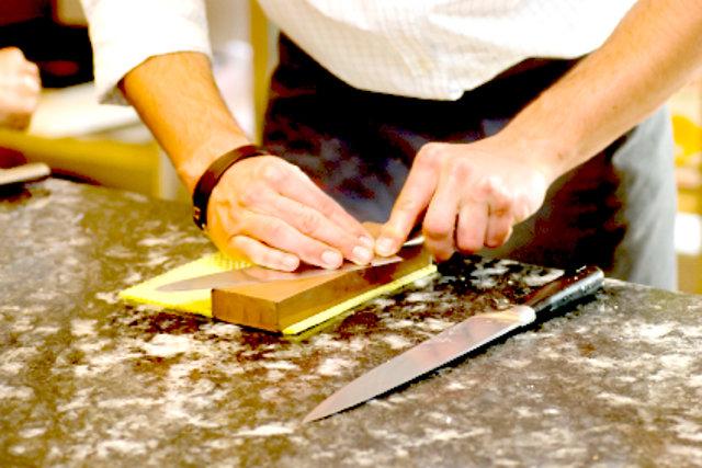 Curso de cocina parte 22 afilado de cuchillos for Cuchillos cocina online