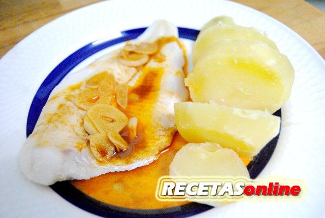 Merluza al vapor a la gallega - Recetas de cocina RECETASonline