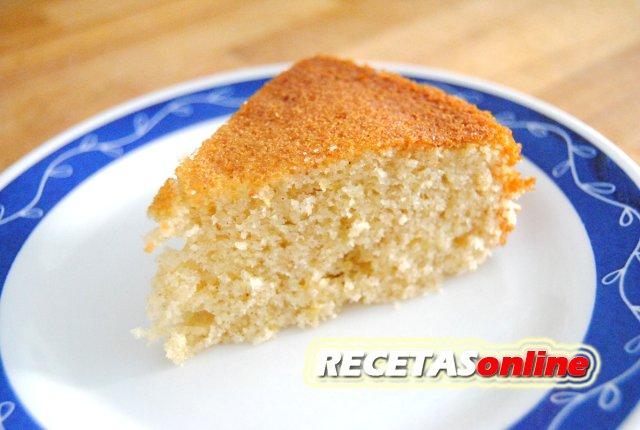 Bizcocho con sabor a torrijas - Recetas de cocina RECETASonline