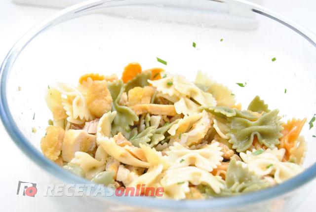 Ensalada-de-pasta-y-pollo---Recetas-de-cocina-RECETASonline