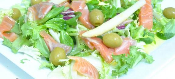 Ensalada-de-salmón-y-agridulce-de-limón---Recetas-de-cocina-RECETASonline