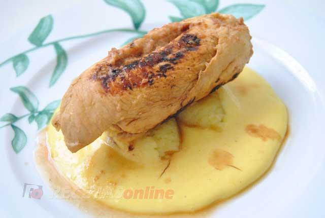 Rollito-de-pollo-con-paté-de-ave-y-salsa-de-naranja---Recetas-de-cocina-RECETASonline