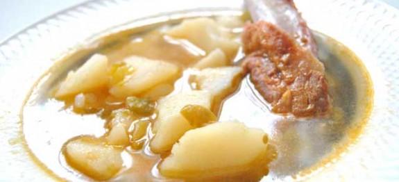 Patatas-guisadas-con-costillas---Recetas-de-cocina-RECETASonline
